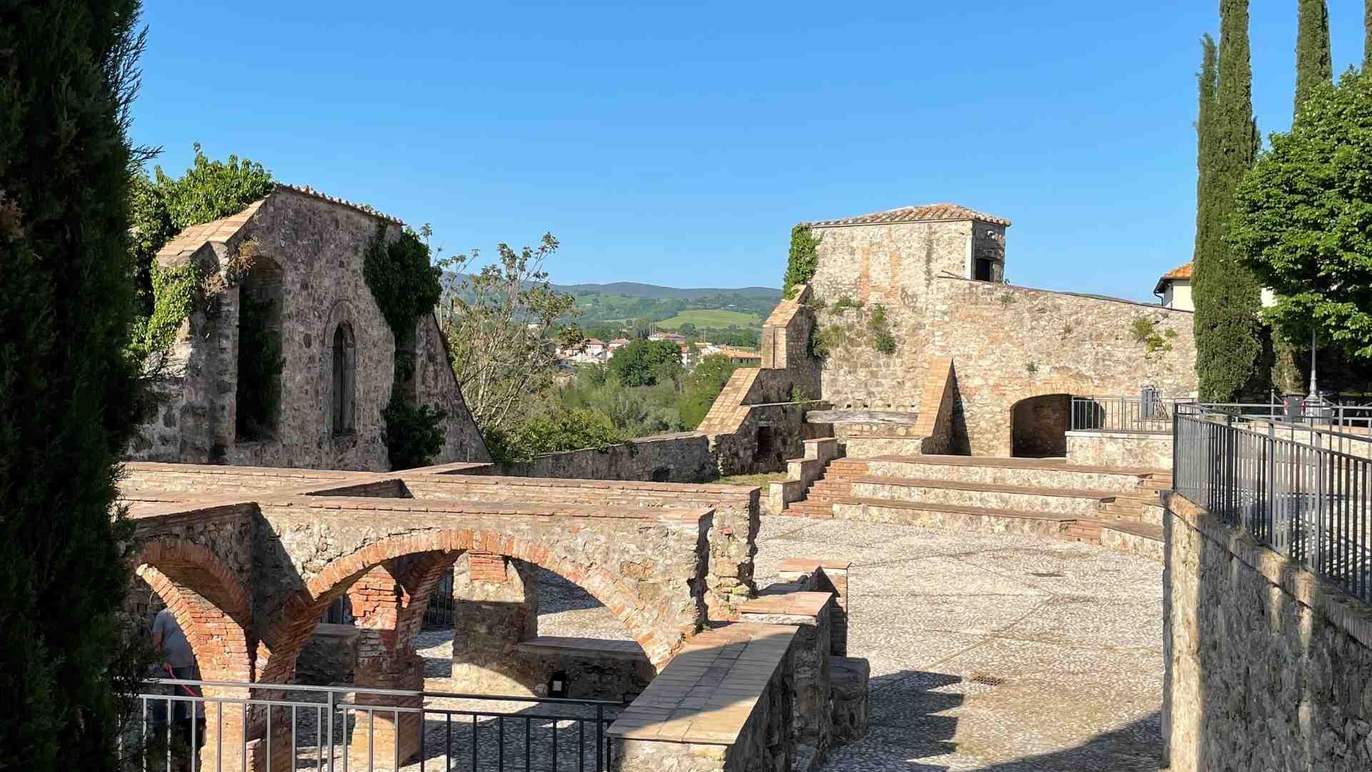 castello-anfiteatro-attigliano