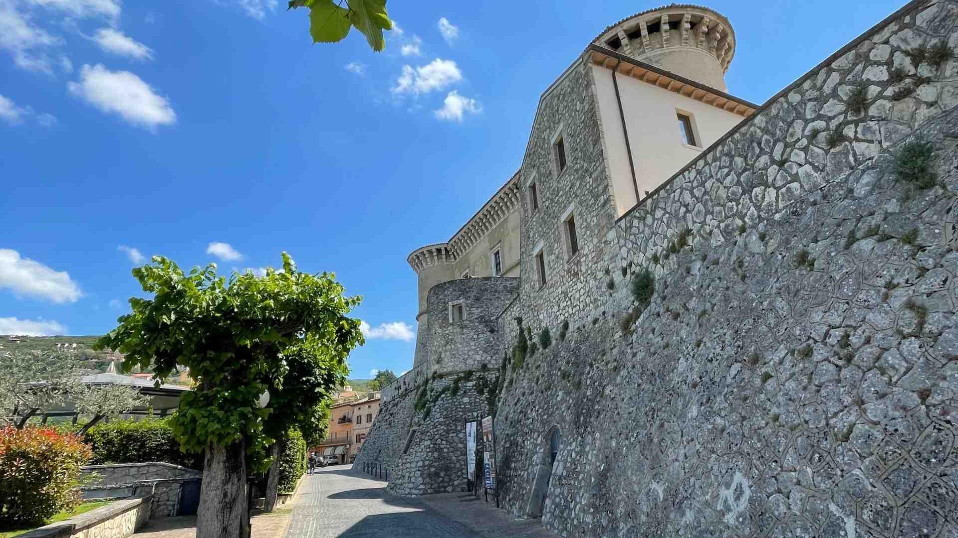 castello-alviano-02