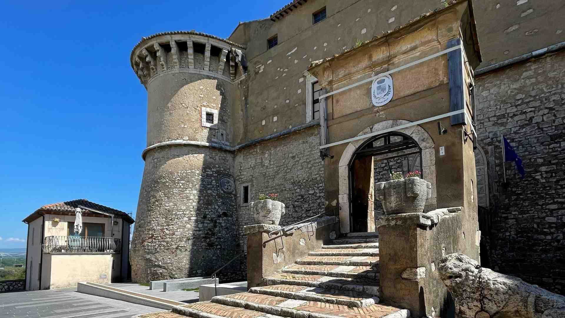 ingresso-castello-alviano