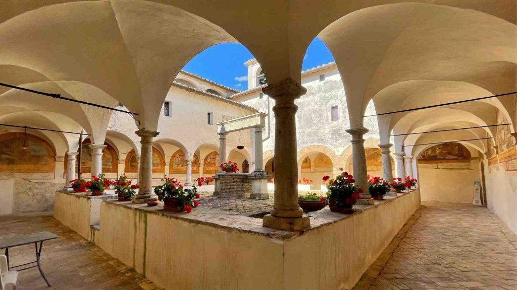 Chiostro del Convento di San Francesco a Lugnano in Teverina
