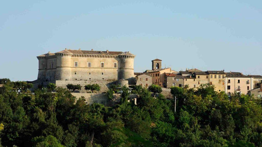 Castello di Alviano, provincia di Terni